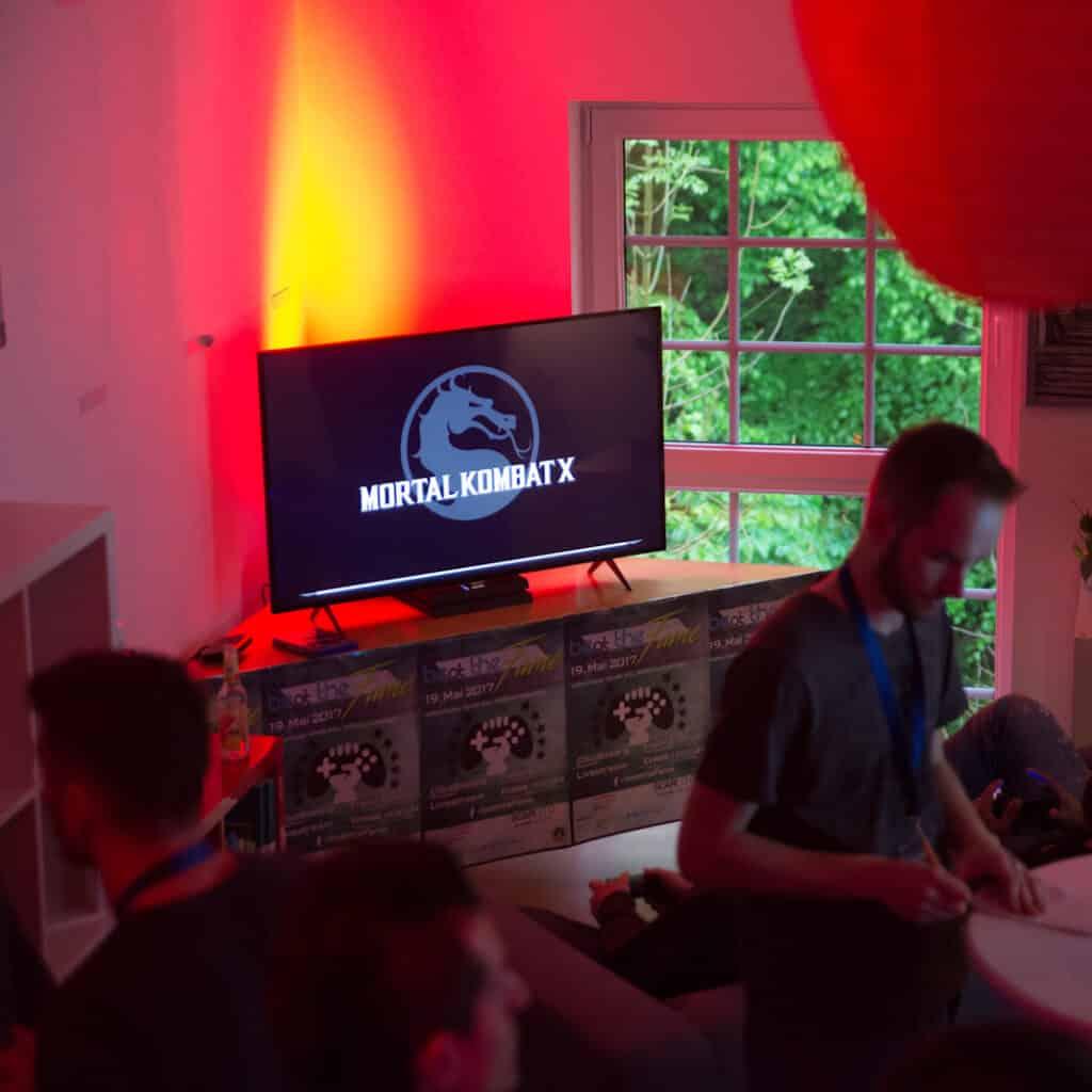 beat-the-fame-netzwerk-livestream-gaming-event-bildschirme-7